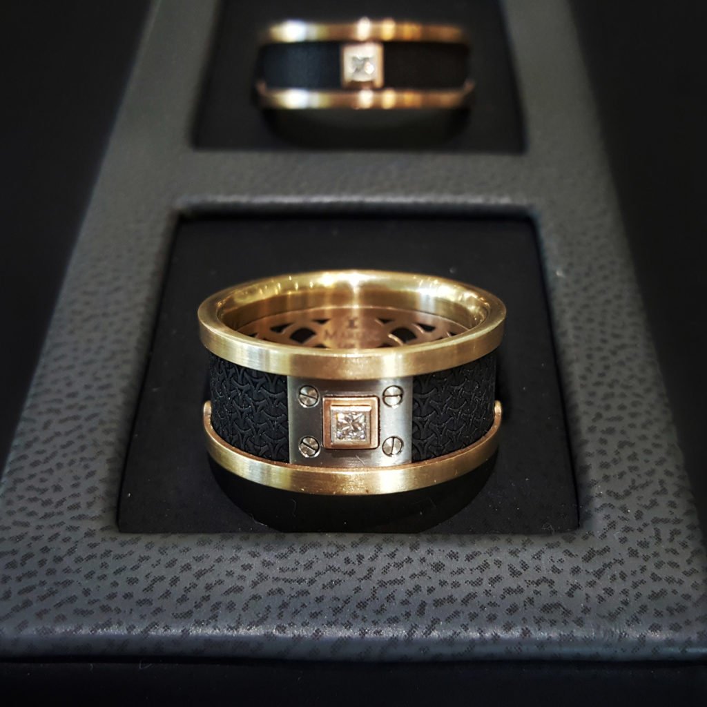 Mardini Carbon Fiber Diamond Gold Wedding Band 1024X1024
